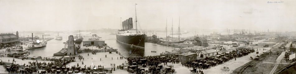 the_lusitania_at_end_of_record_voyage_1907