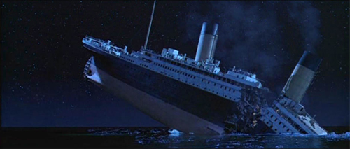 Titanic_breaks_in_half